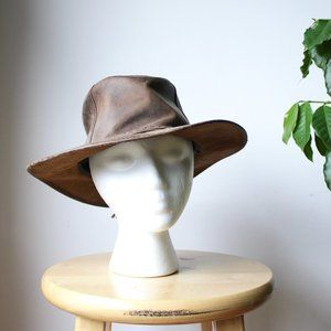 • the vtg leather traveling hat